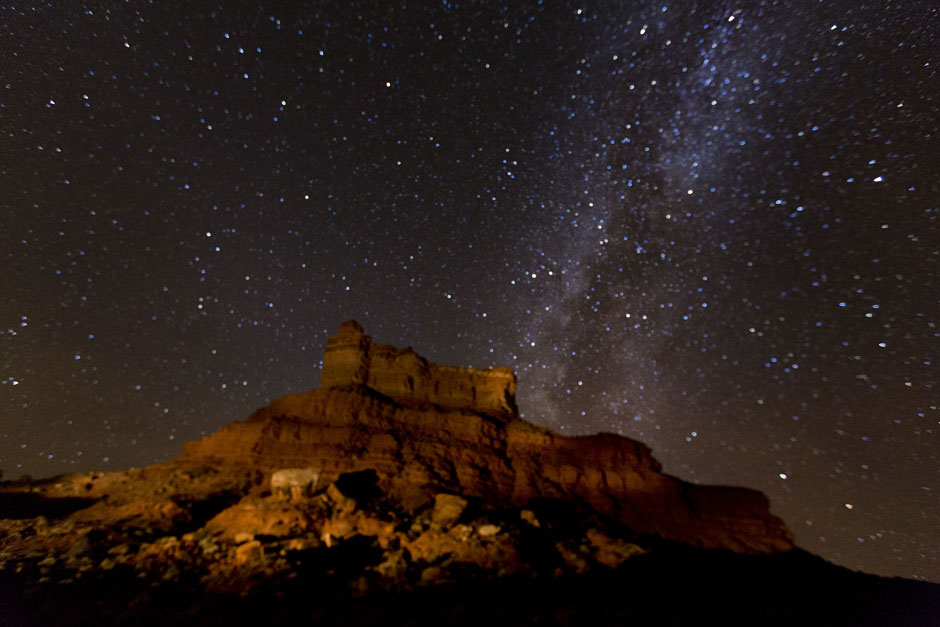setting hen valley of the gods milky way